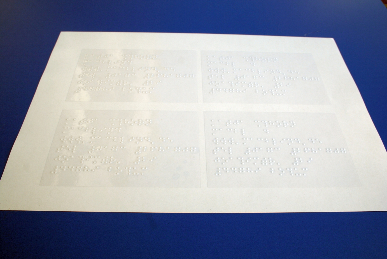 Bild Etiketten auf A4 Bogen fertig ausgeschnitten