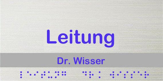 Türschild mit Braille-Beschriftung