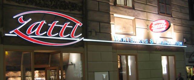Wirtshaus Zattl - Aussenansicht bei Nacht